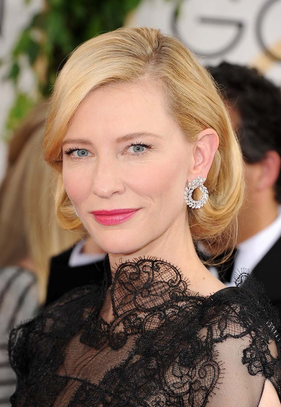 Cate Blanchett wears Chopard Haute Joaillerie earrings made of diamonds sourced from a certified member of the Responsible Jewelry Council and FairMined 18K white gold.